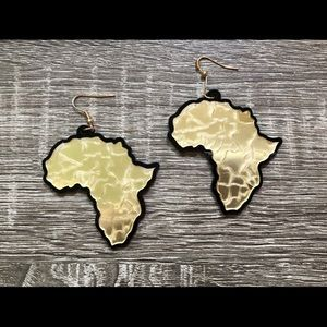 Gold mirror finish Africa earrings
